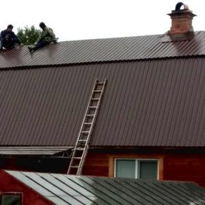 Монтаж крыши из стального оцинкованного профнастила С 8